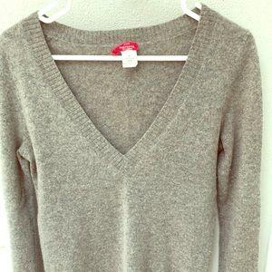 Cashmere deep v-neck sweater